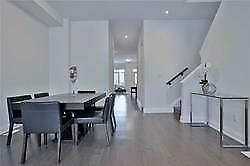 BEAUTIFUL HOME IN THORNHILL WOODS!!!!!!