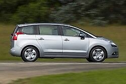 PEUGEOT 5008 1.6 HDi in Silver. FSH. Roofrack, Tow Bar.