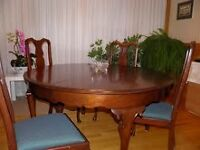 Queen Anne magnificent table & chairs