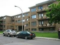 Free mths rent - 3.5 apt- near Cavendish Mall, Cote St Luc
