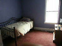 AVAILABLE IN DURHAM,FURNISHED ROOM