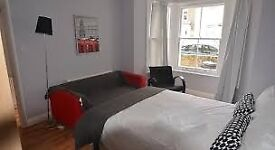Lovely double bed in Hackney for you! Book a viewing or you risk to miss it!