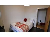 Nice double room to let available immediately close to Cutty Sark DLR