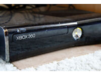 xBox 360 S (250 GB) + Kinekt sensor + TV Mount + Headset + Games