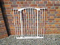 Tall & Wide Auto-Close Stair Gate or Passage Gate (Fits 97cm-106cm) White
