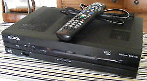 Rogers NextBox Explorer 8600HD PVR with remote and power cord