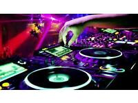 DJ LOOKING FOR GIGS IN BAR or CLUBS