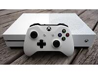 Xbox one s 1tb white fifa 18 two controllers and turtle beach