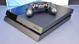 PS4 500gb + 2 Controllers and Game
