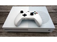 Xbox one S In white 1 tb of data