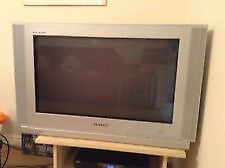 *Free * COLOUR SAMSUNG TV- FREE TO GOOD HOME