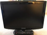 """SAMSUNG 19"""" TV WITH FREEVIEW"""