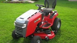 Lawn Tractor - Snapper 2752
