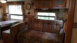 2010  32 ft. Travel Trailer w/ Winter package Prince George British Columbia image 3