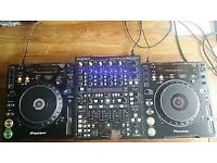 2 X PIONEER CDJ1000 WITH BEHRINGER DDM 4000 MIXER ALL BOXED