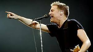 **BRYAN ADAMS*Centre Bell (ROUGE)