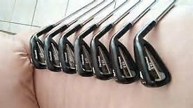 Cleveland CG16 Black Irons 4-PW