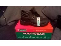 NEW SAFETY SHOES ideal for WAREHOUSE workers, BOOTS size 10 BARGAIN!