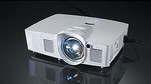 Optoma GT1080 Home Theatre / Gaming Projector