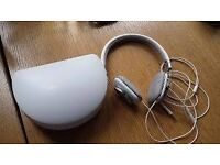 Bowers & Wilkins P3 White Foldable On-Ear Headphones with Protective Case, in excellent condition