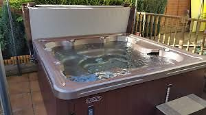 Marquis 545 Hot Tub with Lounger