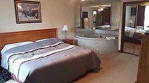HUNTSVILLE RESORT LAKESIDE, A 1000 SQ FT, 1 BDRM PLUS DEN CONDO,