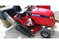"""2009 38"""" Snapper Lt 200 Ride On Lawnmower - ONLY 60 HOURS"""