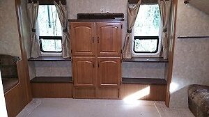 2010  32 ft. Travel Trailer w/ Winter package Prince George British Columbia image 4