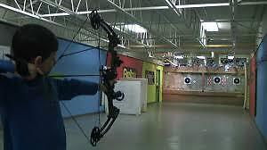 Full-Strength Barnett Tomcat Youth Bow Arrow Kitchener / Waterloo Kitchener Area image 2