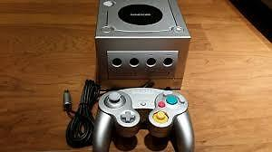 Silver gamecube with controller