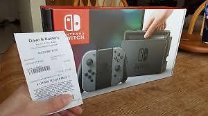 Nintendo Switch avec manettes noirs. New 3dsXL yellow pikachu