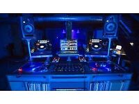 dj lessons on all formats from vinyl,cdjs,controllers.