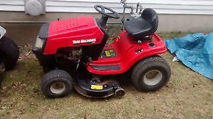 2006 Yard Machines Riding mower 15.5HP in excellent condition Kitchener / Waterloo Kitchener Area image 1