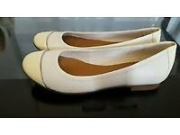 Clarks Atomic Haze Ladies Flat Shoes Size 5/38 White and Lemon BNIB - Belfast £20
