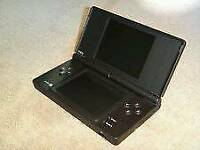 Dsi console / Selling as Spears or repairs/ sold as seen