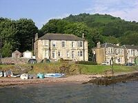 Kilchattan Bay, Isle of Bute - top Floor of Victorian Villa overlooking the sea - 3 bedroom