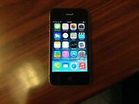 Iphone 4 16 GIG  Black /  Bell and Virgin carrier