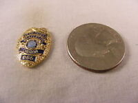 vintage collectable pins asst Please take a look