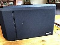 Pair of Bose 301 Series IV Reflecting Speakers in Black, Left and Right very good condition