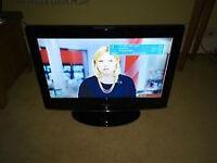"LG TV 26"" LCD"