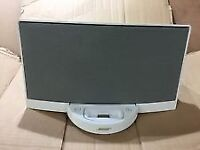White BOSE SoundDock Series 1 for iPod/iPhone Audio Dock Speaker with charger