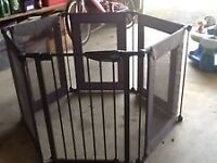 Lindam Metal Playpen gate opening lovely and clean all folds up
