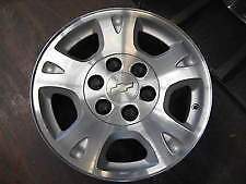 One ( 1 ) 2002-06 Chev Avalanche OEM 17 inch wheel