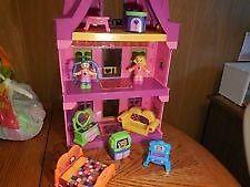 Megabloks Dolls House & Furniture