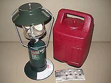 Single mantle Coleman propane lantern with case