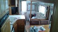 27 foot fifth wheel trailer