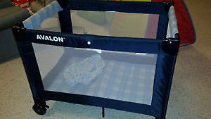 Avalon playpen in new condition