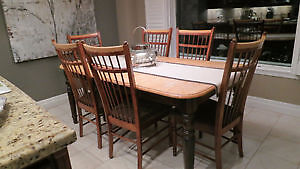 Wooden table and chairs Kitchener / Waterloo Kitchener Area image 1