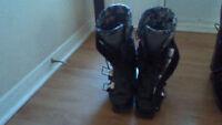 """Size 24/27.5"""" ski boots/ski helmet"""