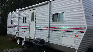 30 ft Coachmen with slide out and bunk beds